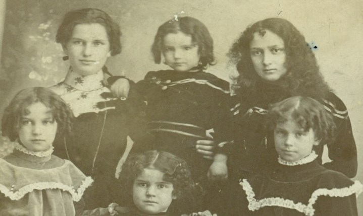 David and Ida Smith's daughters